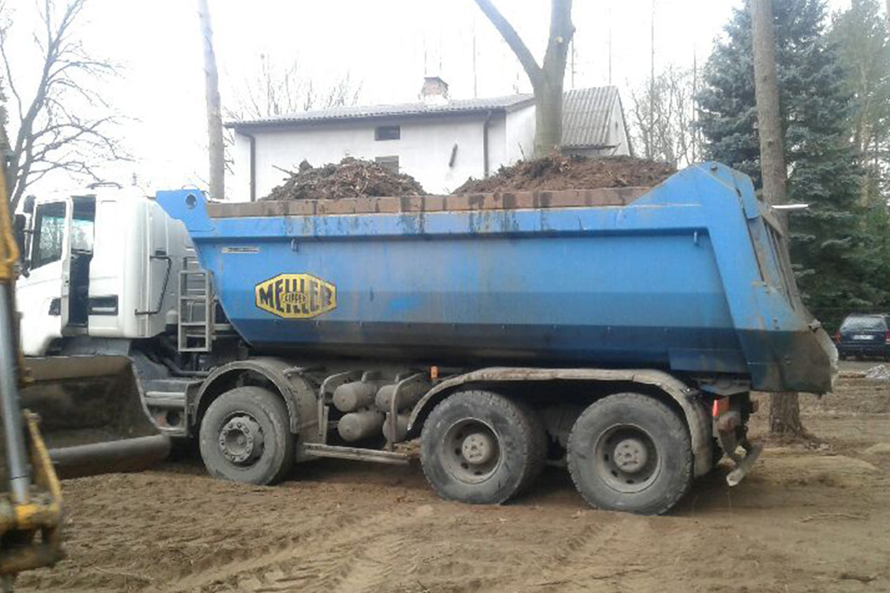 usługi-transportowe-INVEST-KOP-transport-materiałów-porozbiórkowych